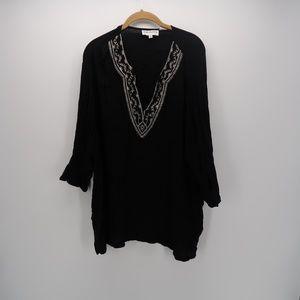 C.D. Daniels Tops - C.D. Daniels Embroidered 3/4 Sleeve Tunic Blouse